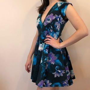 GUESS Cap-Sleeve Floral-Print Flared Scuba Dress